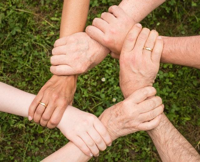 Als Intergruppen Sprecher helfen wir bei der Zusammenarbeit in EA.